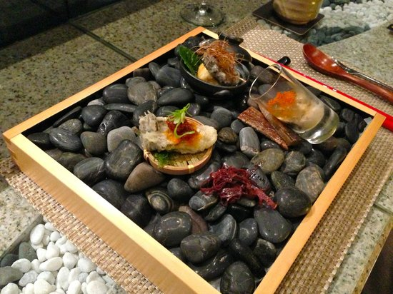 Ten Japanese Restaurant:                   trio of oysters