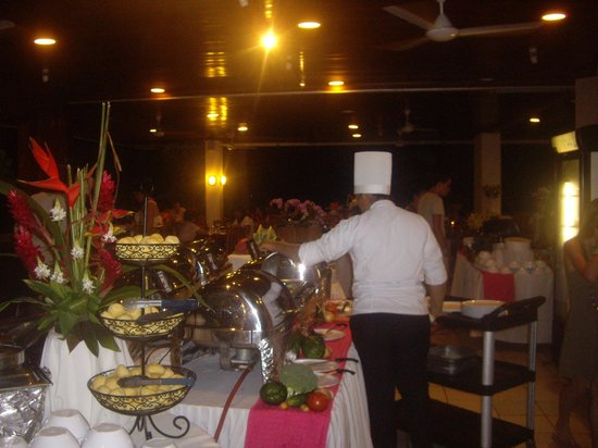 BEST WESTERN Jaco Beach All Inclusive Resort:                   Beautiful breakfast,luch & dinner buffets