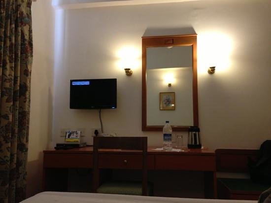 Hotel Abad Metro:                   room - just to make sure that this is a genuine feedback
