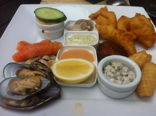 Bully Hayes Restaurant & Bar: seafood platter