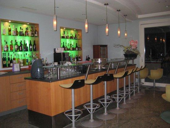 Hotel Balm Meggen:                   bar area