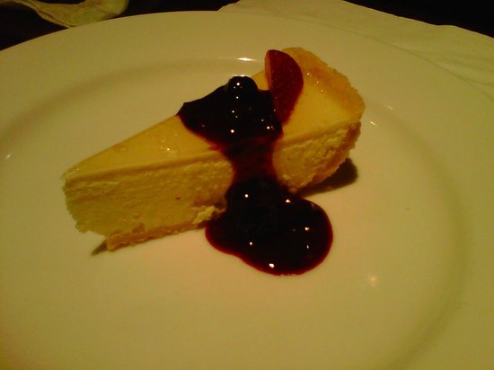 Tin Pan Alley: Lemon Cheesecake with Berry Compote