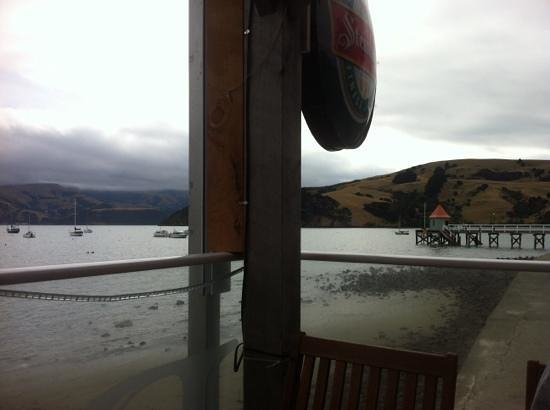 HarBar Beachfront Cafe: magnificent view while you chill with a nice cup of coffee