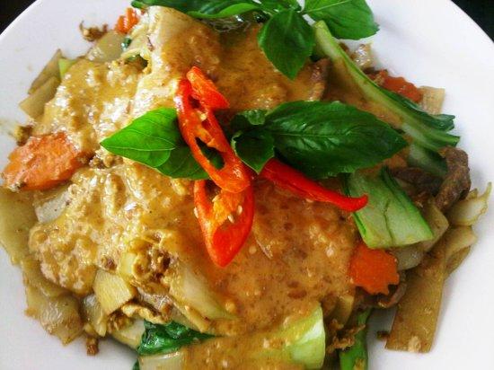 Menu Thai Restaurant:                   Hokkien satay noodles