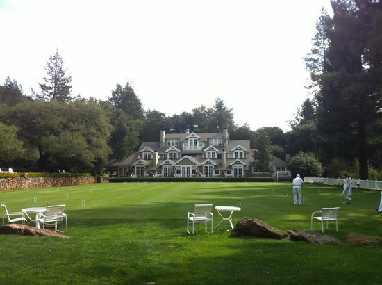 Meadowood Napa Valley: One of the main buildings facing lawn