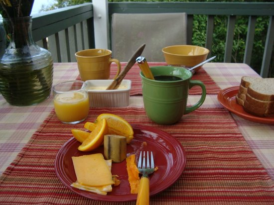 Rainbow Plantation B&B:                   what the breakfast here consists of. the previous day i'd managed to score a h