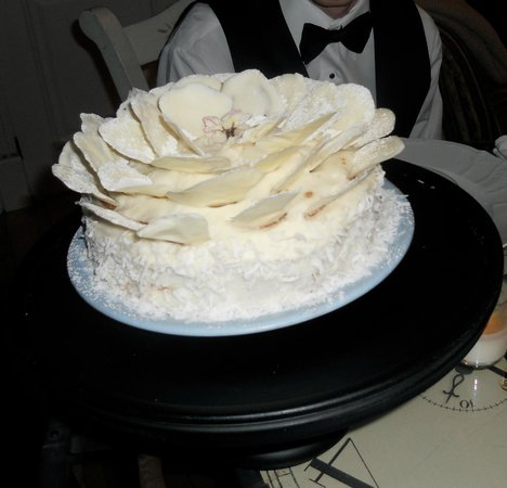 Walkerbrae House:                                     Wedding Cake for 2