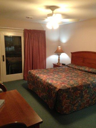 Club Ocean Villas II: Master Bedroom