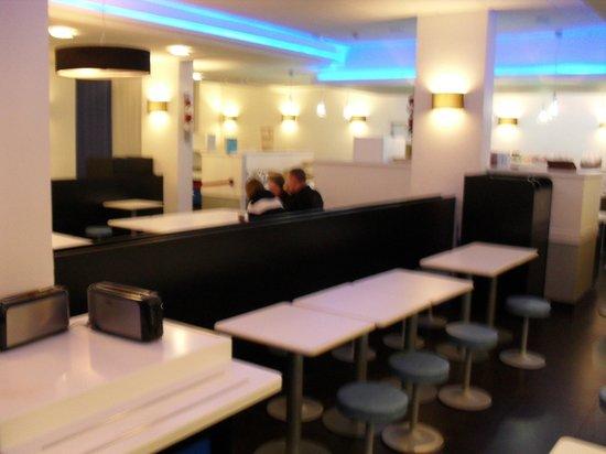 Ibis Budget Paris Porte de Montmartre: Frühstücksraum