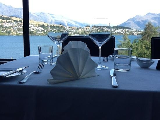 Shores Restaurant: location, location, location!