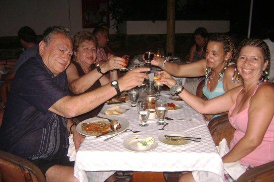 Decameron Galeón: Compartiendo una cena
