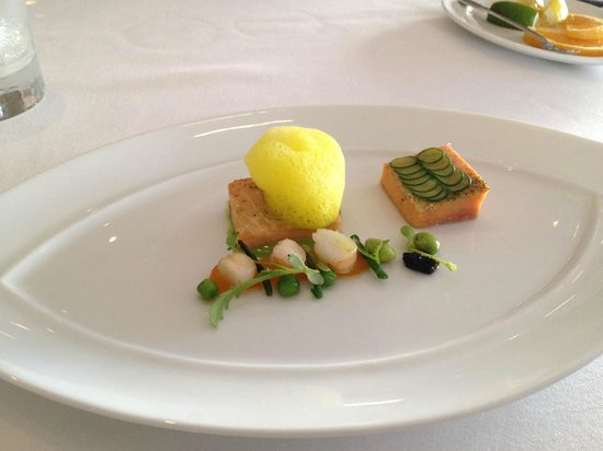 Just a beautiful restaurant with the best service in for Haute cuisine