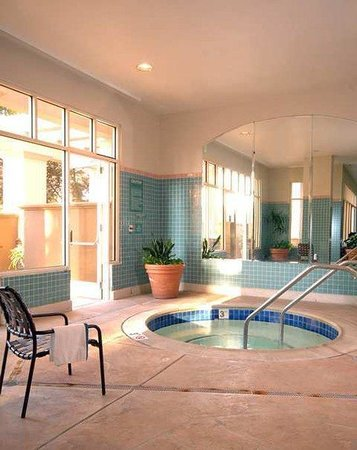 Embassy Suites by Hilton Hotel San Rafael - Marin County / Conference Center: Recreational Facilities