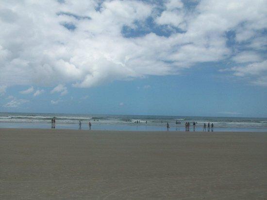 Milionarios Beach : Praia Milionários