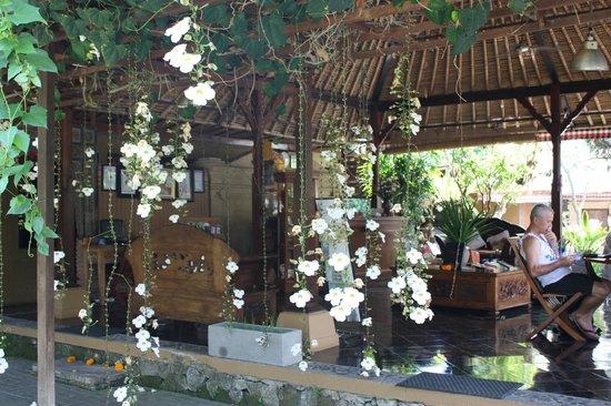 Saren Indah Hotel: Réception