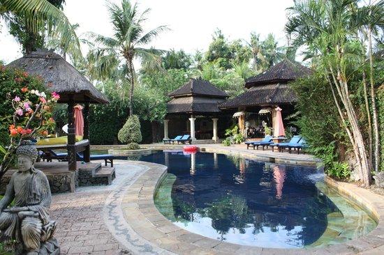 Rambutan Boutique Hotel : Grande piscine
