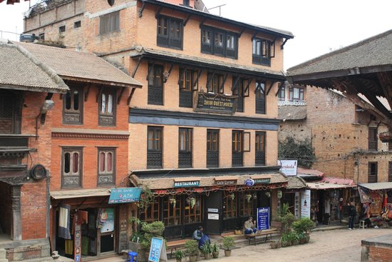 Shiva Guest House1 & 2 : Hotel is right inside the Durbar Square