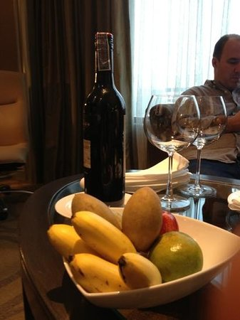 InterContinental Bangkok : fruits dans la chambre