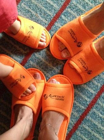 Resorts World Sentosa - Festive Hotel: slippers