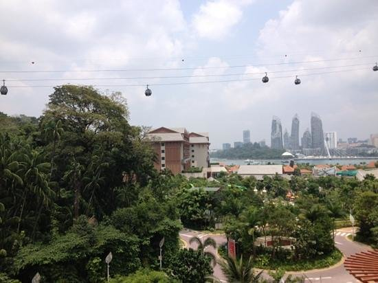 Resorts World Sentosa - Festive Hotel: cable car view