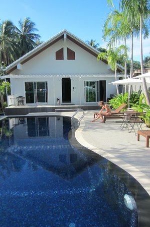 Kata Tranquil Villa : View on pool and regular (deluxe) rooms