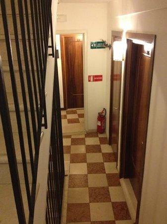 Hotel Orion: L'acces aux chambres