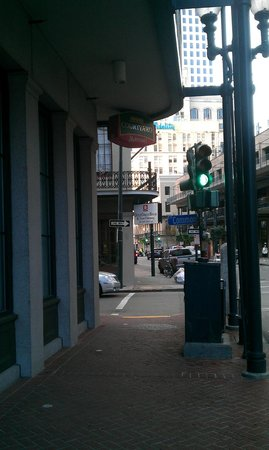 Courtyard by Marriott New Orleans Downtown Near the French Quarter: Outside corner