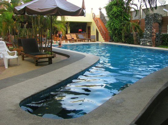 Sabai Mansion: The Pool