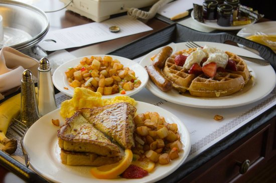 Doubletree by Hilton Chicago O'Hare Airport - Rosemont:                   Delicious Room Service breakfast