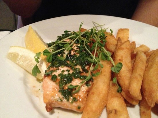 Aussie Beef Steakhouse: Salmon with chips.