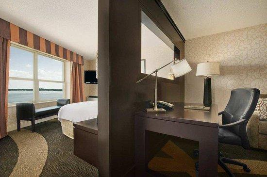 Hilton Madison Monona Terrace: Junior Deluxe Room