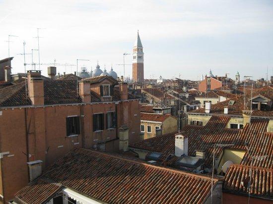 روزيني بالاس هوتل: Vue chambre sur campanile