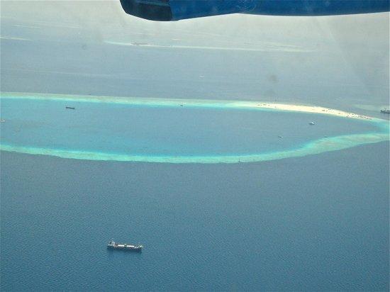 Kuramathi Island Resort: piccolo atollo dall' aliscafo