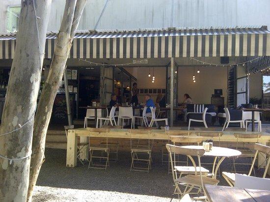 Indoor and outdoor seating @ Market Restaurant