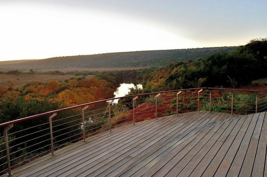 Shamwari Game Reserve Lodges: main lodge