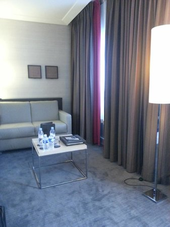 Sofitel Paris La Defense:                   coin cosy