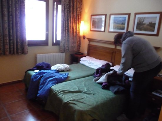 Xalet Verdu Hotel :                   please excuse the packing, rooms have plenty of space