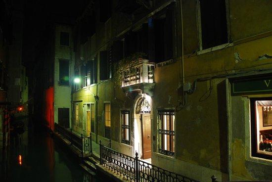Hotel dell'Opera: Entrée