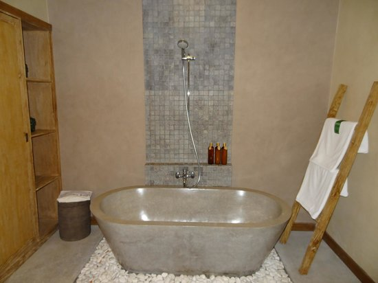 Kenanga Boutique Hotel:                   Bathroom