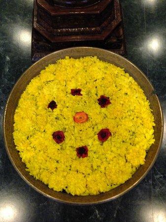 Pondicherry Executive Inn Pvt Ltd:                   Foyer Flower Bowl