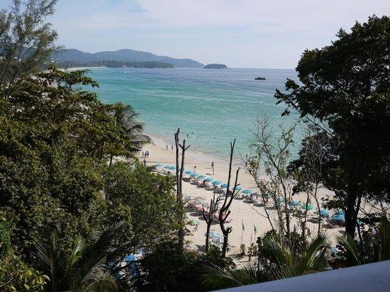 กะรน คลิฟ คอนเทมโพรารี่ บูติค บังกะโล:                   View from patio
