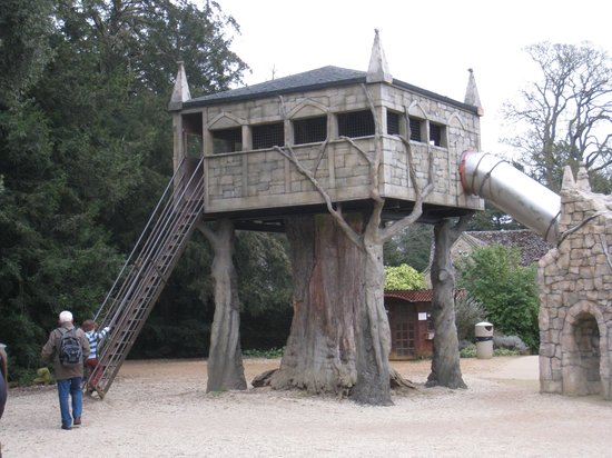 Cotswold Wildlife Park and Gardens:                   The Tree House
