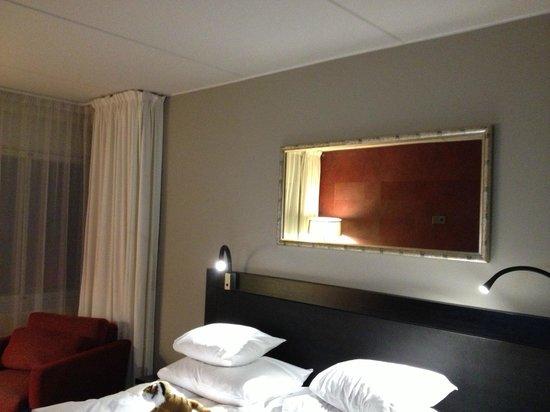GLO Hotel Art: Camera