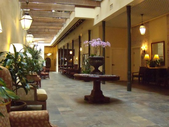 Country Inn & Suites By Carlson, New Orleans French Quarter: Main Lobby Area