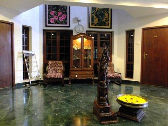 Pondicherry Executive Inn Pvt Ltd:                   Foyer