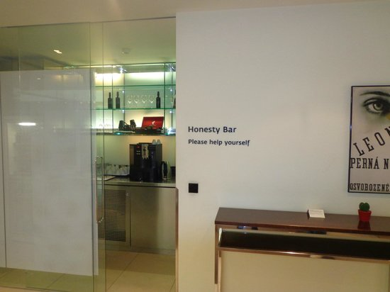 Maximilian Hotel:                   Honesty Bar