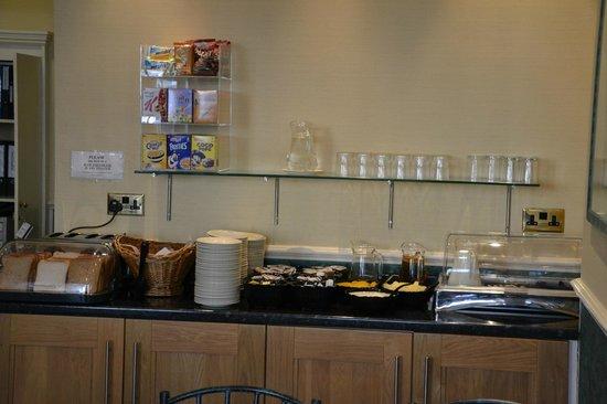 Hotel Columbus : Continetnal Breakfast