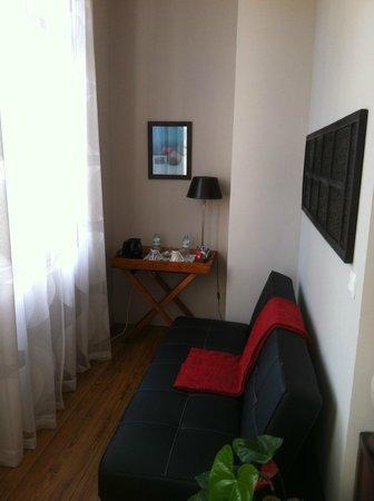Villa Saint Genes: coin salon de la chambre