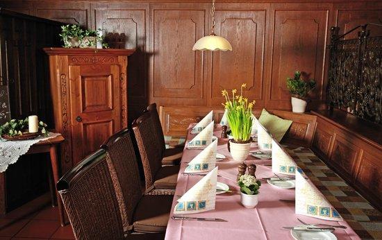 Hotel & Weinhaus Zum Schwarzen Bären: Restaurant