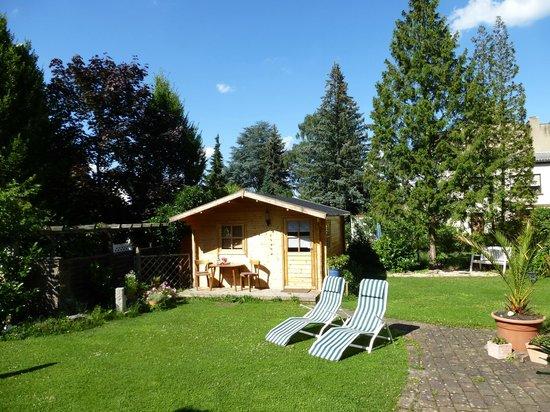 Hotel & Weinhaus Zum Schwarzen Bären: Gartensauna